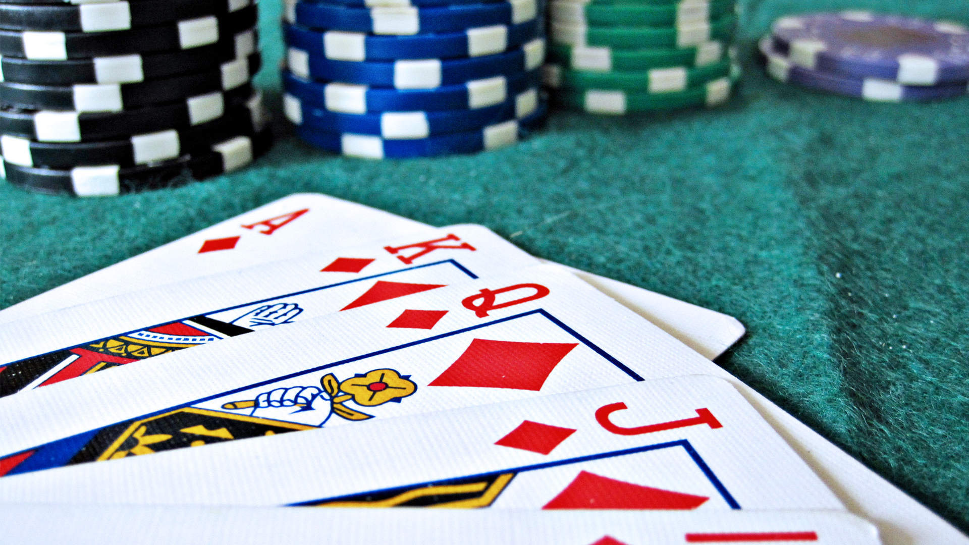 3032055-poster-p-1-3032055-5-things-poker-can-teach-us-about-business