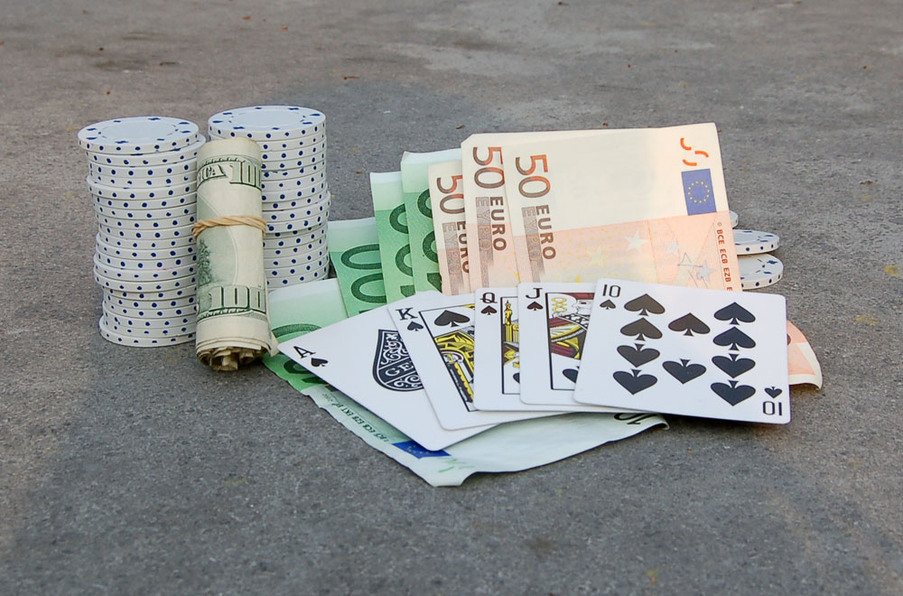 euro-dollar-poker-straight1